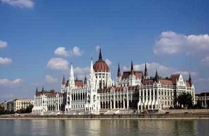 BUDAPESZT, miasto łaźni i kąpieli